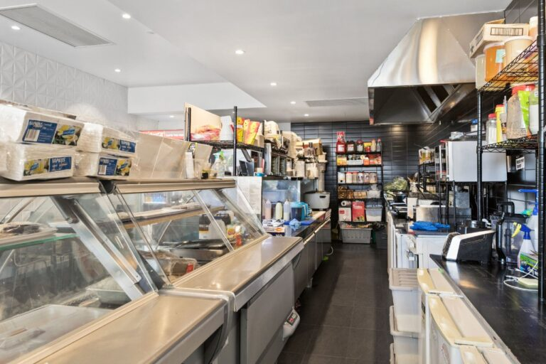 Parmis and Burgers   Alldin Commercial Fit outs