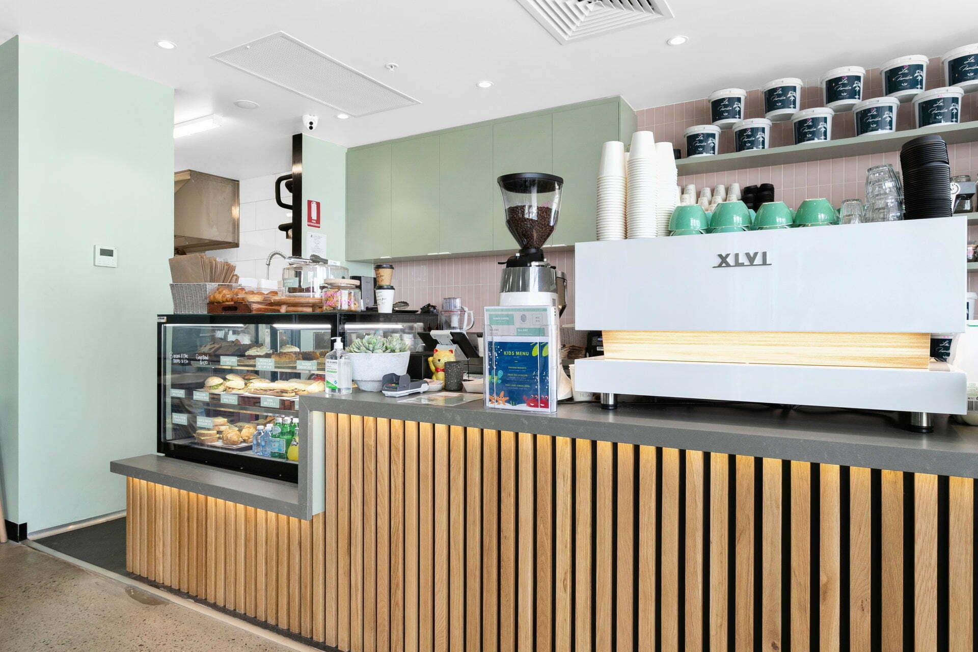 WEB Husky Cafe 10